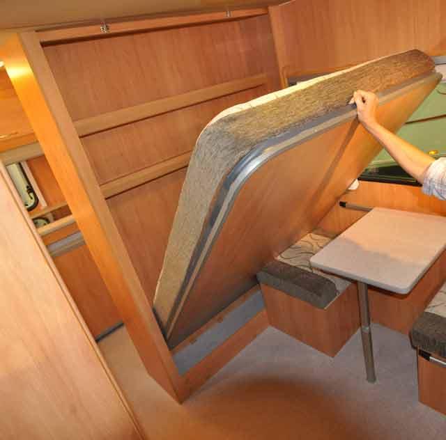 Como hacer una cama plegable finest litera con cama y - Construir cama abatible ...