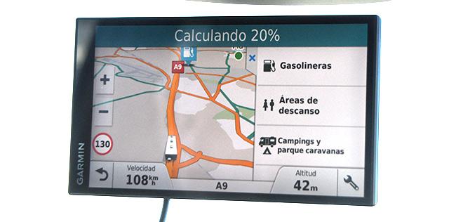 Muestra campings y áreas para autocaravanas además de las gasolineras