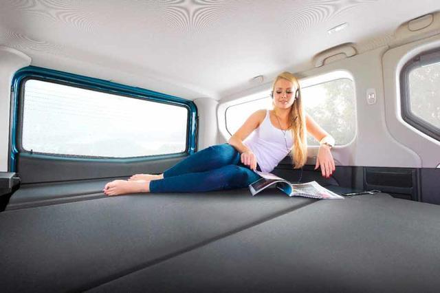 El sistema de Opel consigue una cama completamente plana.