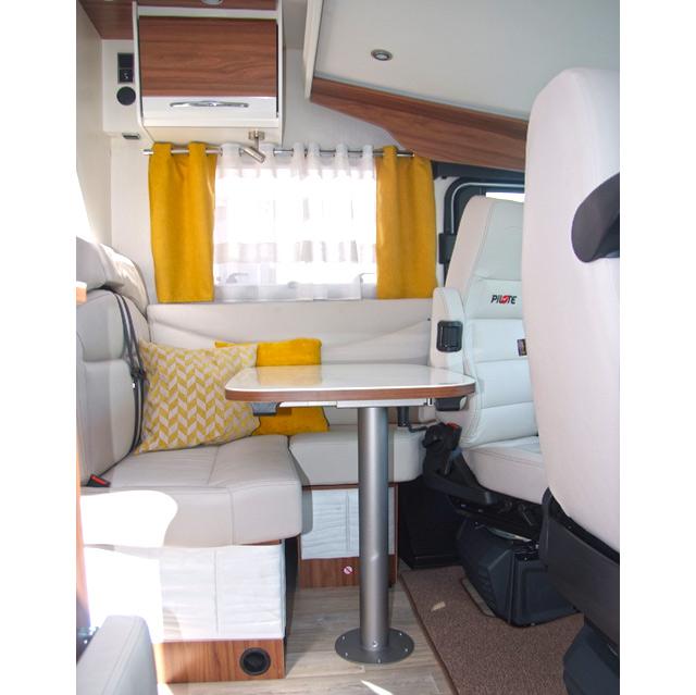 Mobiliario Nogal&Blanco en un Galaxy 650U