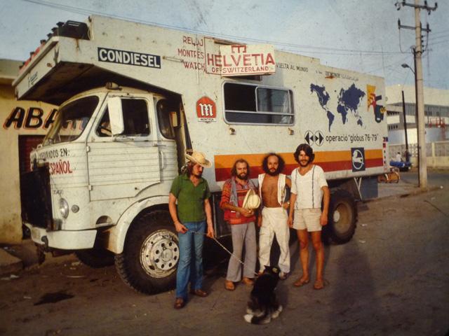 Operació Globus en México, ya eran cuatro y un perro que adoptaron por el camino