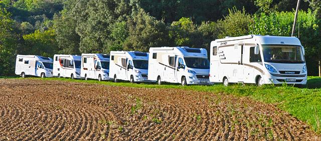 Las autocaravanas que participaron, en ruta