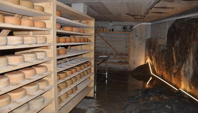 Los quesos en la cava