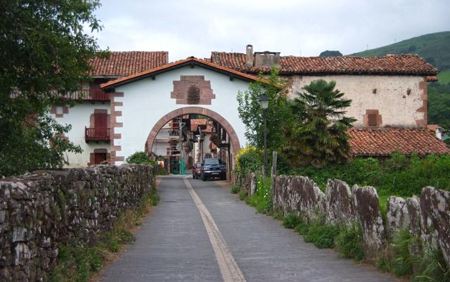 Arco de entrada de Amaiur